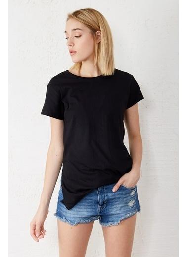 EKA V Yaka Kısa Kol Yırtmaçlı T-Shirt Siyah